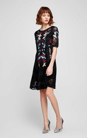 Vero Moda Vintage EmbroideryElbow Sleeve Lace Dress|31726Z529