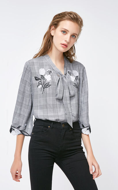Vero Moda 2018 Autumn Embroidered Trims 3/4 Sleeves Front Lace-up Plaid Shirt , Black, large